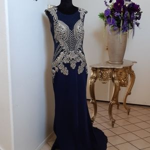 Closet sale only today! Stunning Prom Dress
